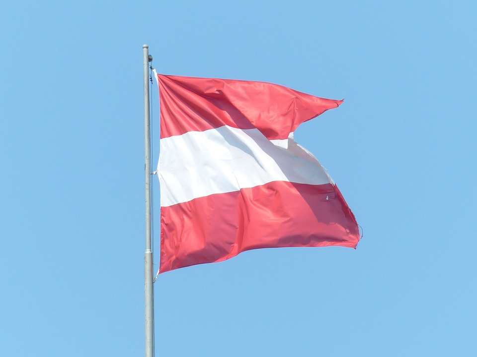 austriaflag - Celebrate Austria, with a waltz. [ATTDT]