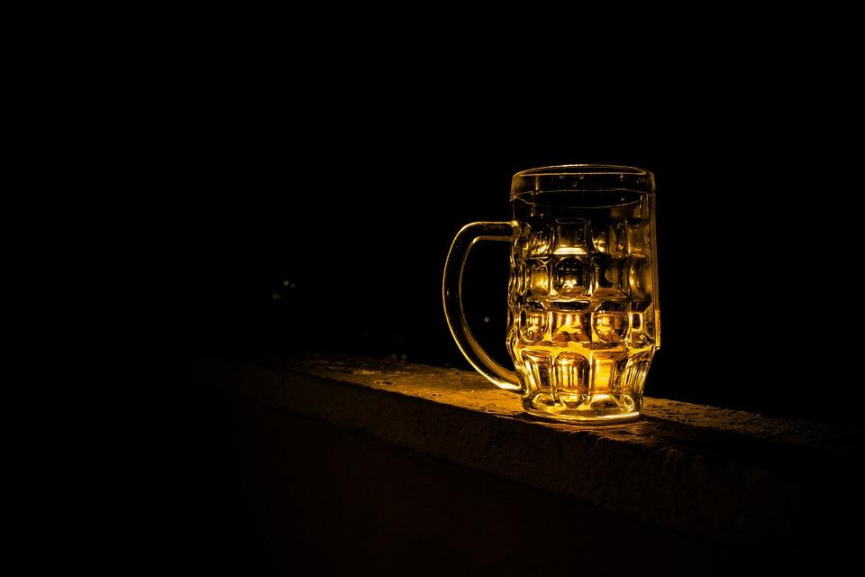 beerstein - Visit a time-travelling pub. [ATTDT]