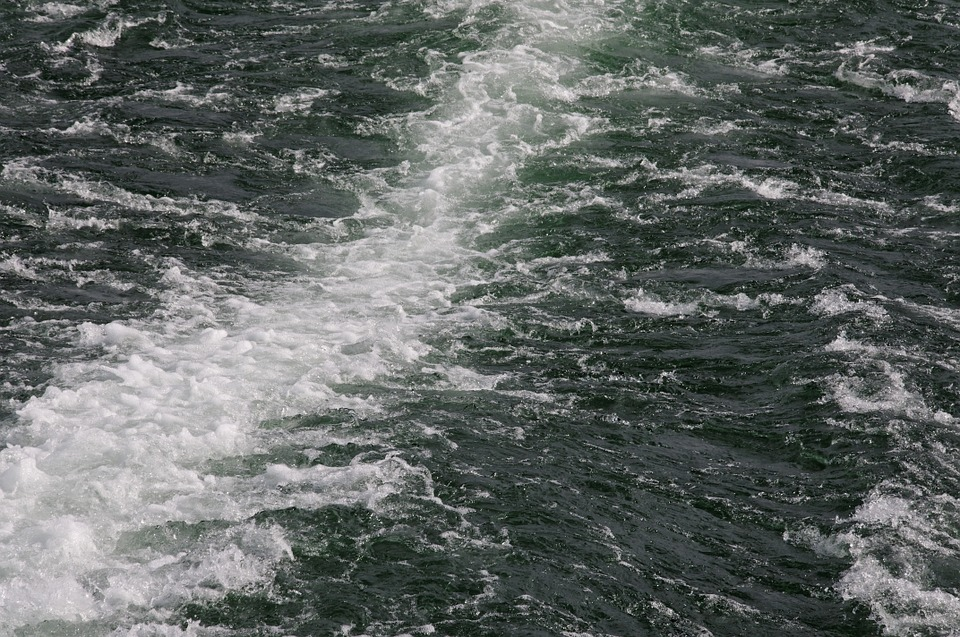 boatwake - Cruise out on Rutland Water. [ATTDT]