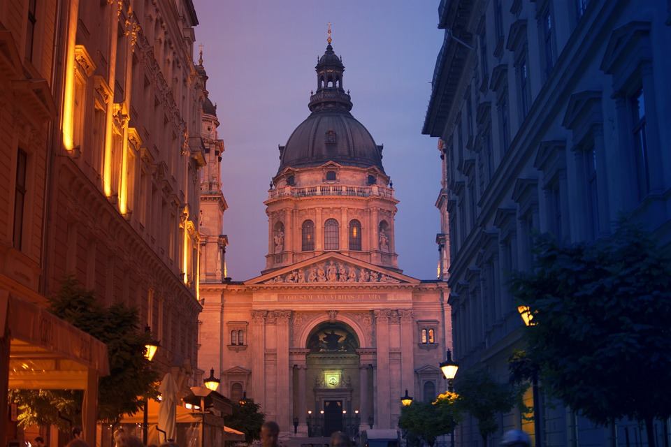 budapestststephensbasilica - See Budapest from above. [A Thing To Do Tomorrow]