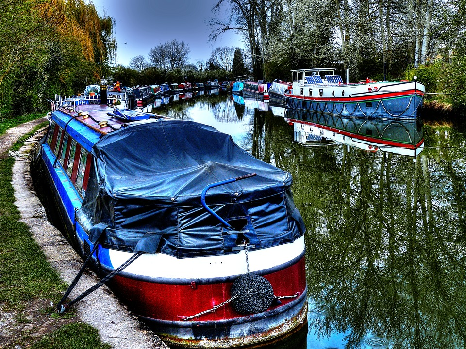 canalboats - Walk through history on the Stourbridge Canal. [ATTDT]