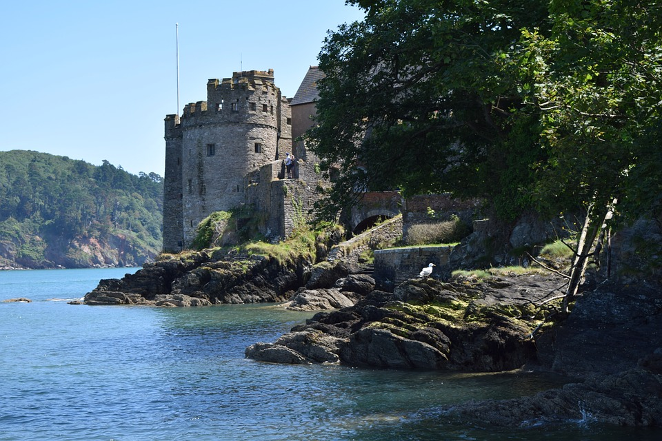 dartmouthcastle - Invade Dartmouth Castle. [ATTDT]