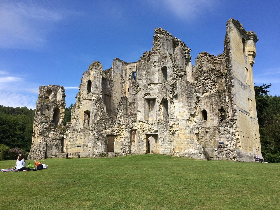 dorsetoldwardourcastle - See a slice of 14th-century living. [ATTDT]