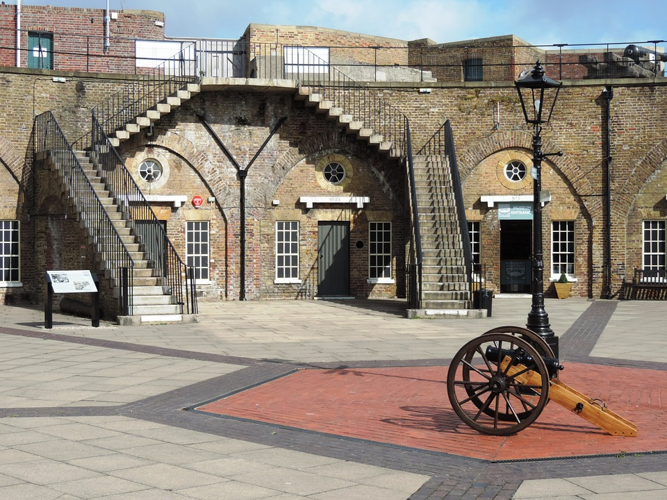 eastbourneredoubtfortress - Invade Eastbourne's fortress. [ATTDT]