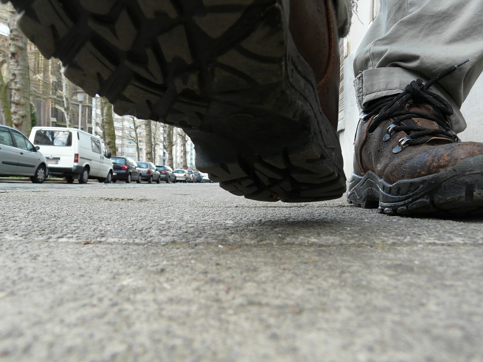 footwalkcloseup - Walk through the world in Bradford. [ATTDT]