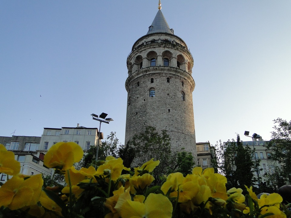 istanbulgalatatower - Reach the heights of Istanbul's history. [ATTDT]