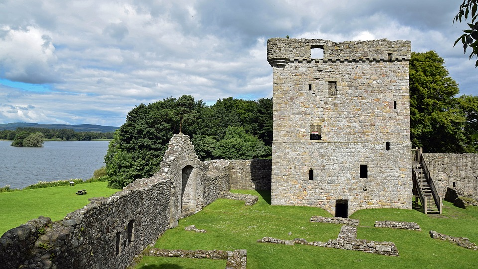 kinrosslochlevencastle - Sail across Scottish history. [ATTDT]