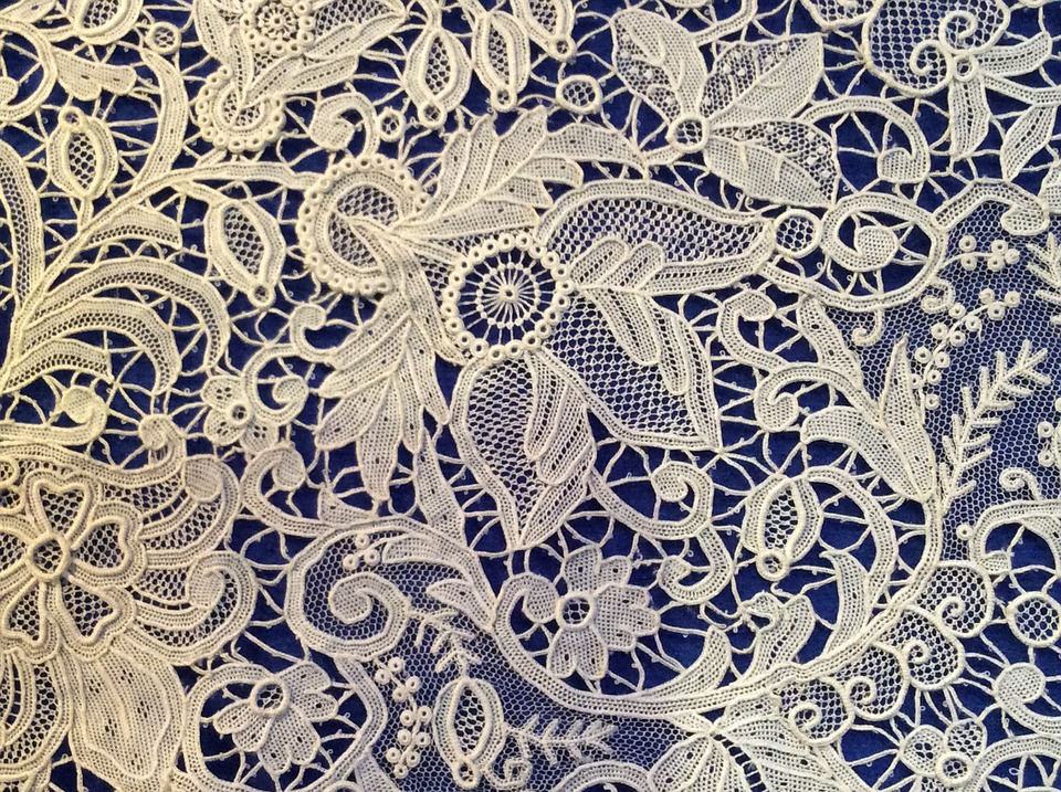 lacefabric - Explore extraordinary lace. [ATTDT]