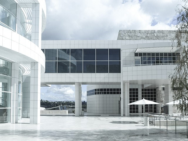 lajpgmuseum - Tour around the curves of an LA landmark. [ATTDT]