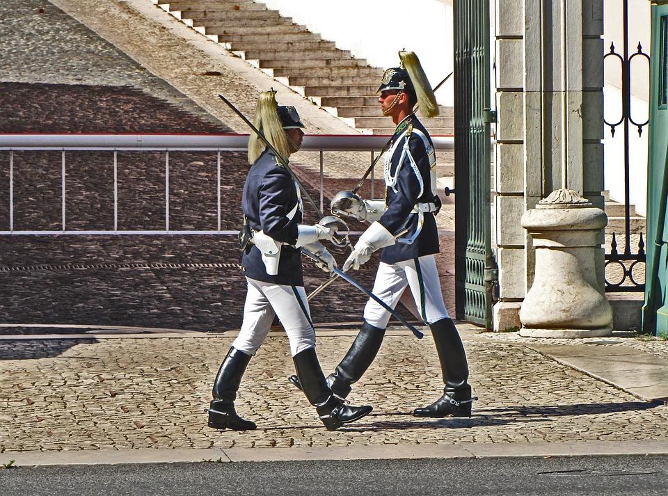 lisbonchangingguard - Watch Lisbon's changing of the guard. [A Thing To Do Tomorrow]