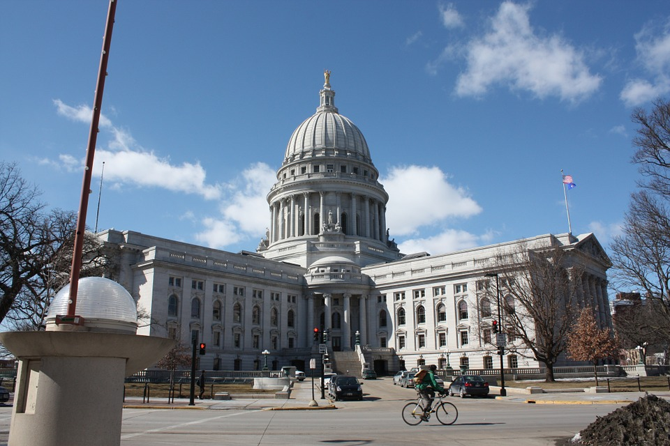 madisonwisconsinstatecapitol - Explore Wisconsin's State Capitol. [A Thing To Do Tomorrow]