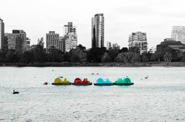 melbournepaddleboats - Mess around in a boat. [ATTDT]