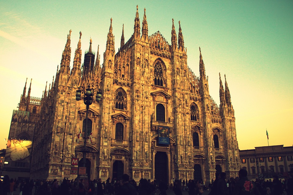 milanduomo - Get a bird's-eye view of Milan. [ATTDT]