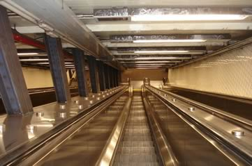 nysubwayescalator - See what's at the end of the line. [ATTDT]