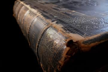oldbook - Discover beauty in an ancient manuscript. [A Thing To Do Tomorrow]