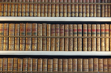 oldbookshelf - Discover the treasures of Sydney's State Library. [ATTDT]