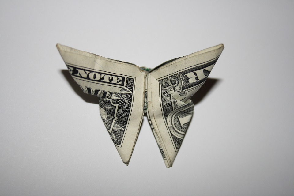 origamibutterflydollar - Turn bills into butterflies. [ATTDT]