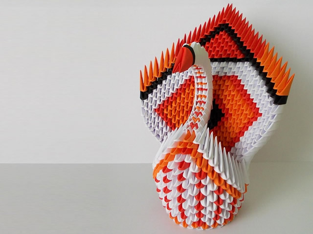 origamiswan3d - Make a stunning swan out of paper. [A Thing To Do Tomorrow]