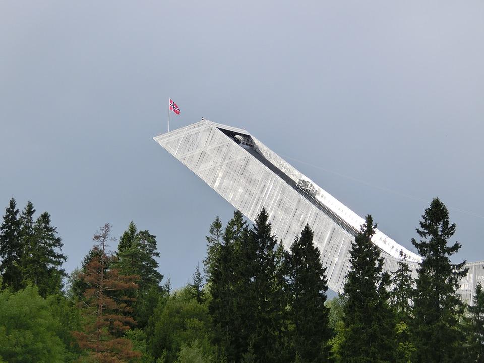 osloholmenkollen - Get a skiier's view of Oslo. [ATTDT]