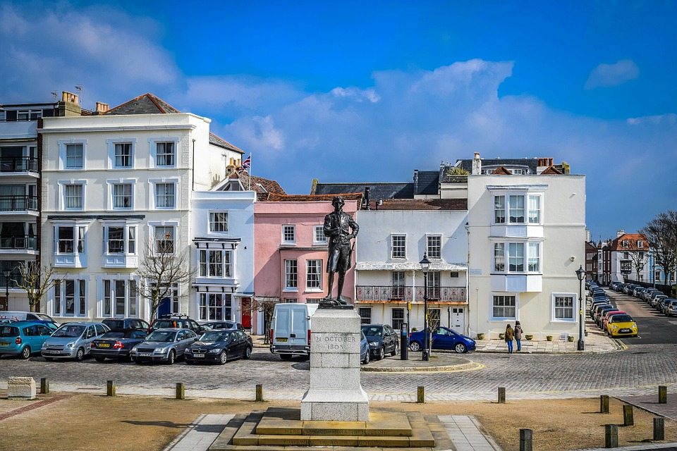 portsmouthstatue - Walk through history in Portsmouth. [ATTDT]