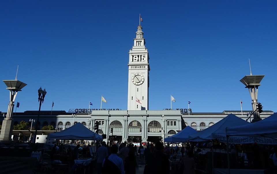 sanfranciscoferrybuildingmarket - Have lunch with local farmers. [A Thing To Do Tomorrow]