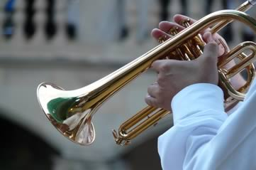 trumpetplayer - Bask in band music in the Botanic Gardens. [ATTDT]