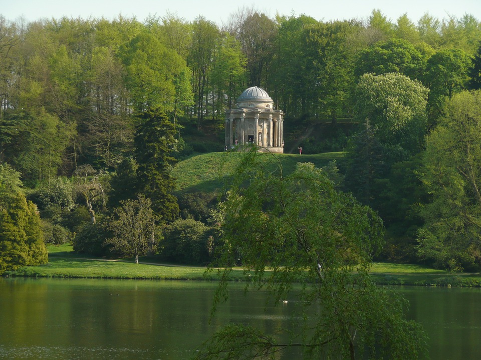 wiltshirestourheadgarden - Discover an 18th Century paradise in Stourhead. [A Thing To Do Tomorrow]